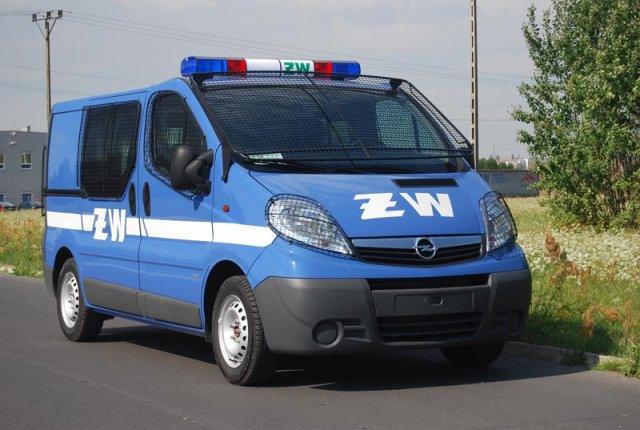 Operational-convoy vehicle